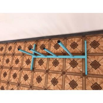 Стойка для рулонов ткани, клеенки, бумаги